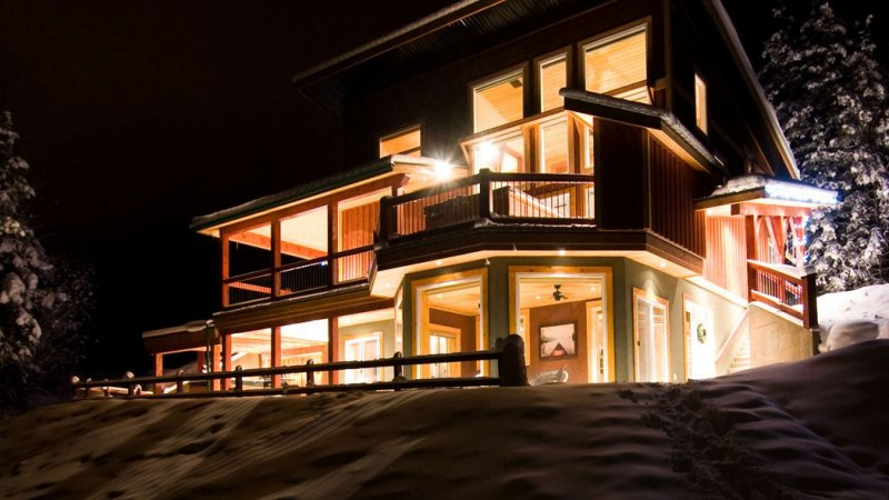 Accommodation: Cedar House Chalets